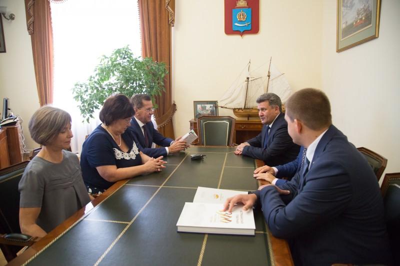 Председатель Нефтегазстройпрофсоюза России встретился с Губернатором Астраханской области